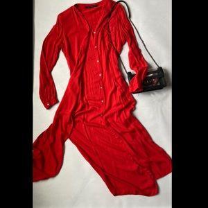 ❤️💃🏻ZARA FULL LENGTH RED SHIRT WITH CUTS ❤️